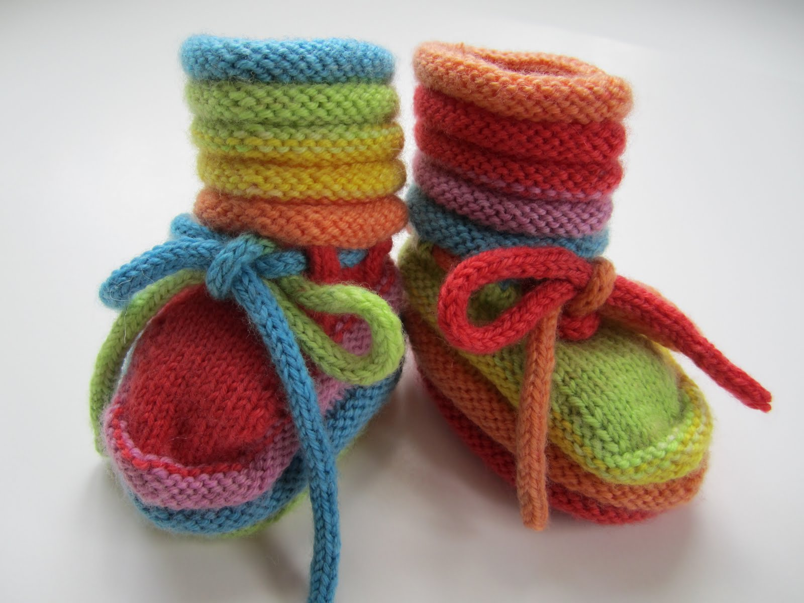 Knitting Baby Booties Patterns : Baby booties knit patterns a knitting
