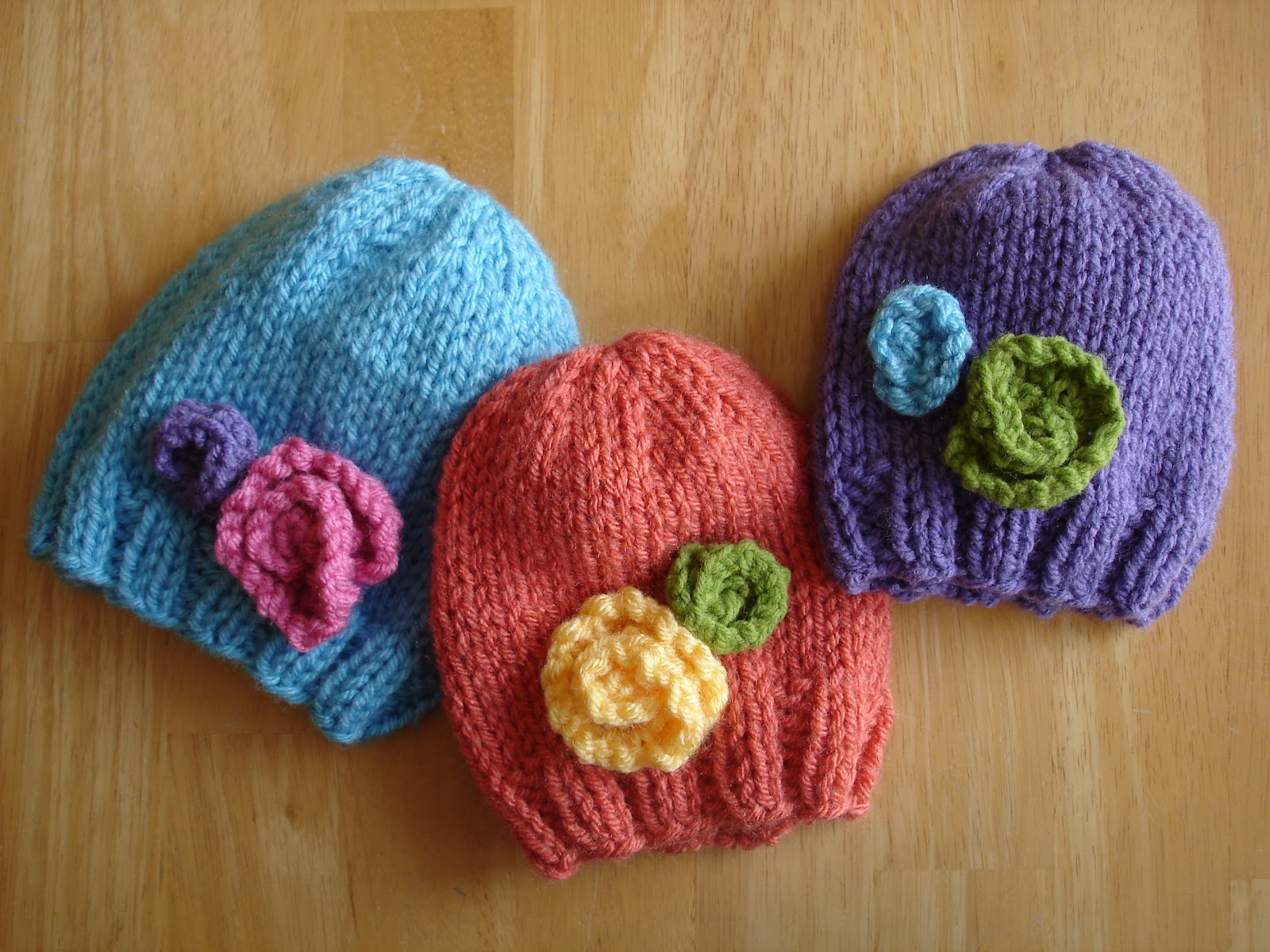 Knitting Pattern For Flowers On Hat : Baby Hat Knitting Pattern A Knitting Blog