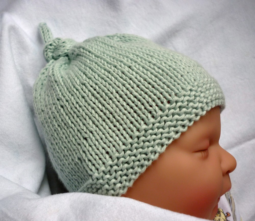 Free Knitting Pattern Baby Flower Hat : Baby Hat Knitting Pattern A Knitting Blog