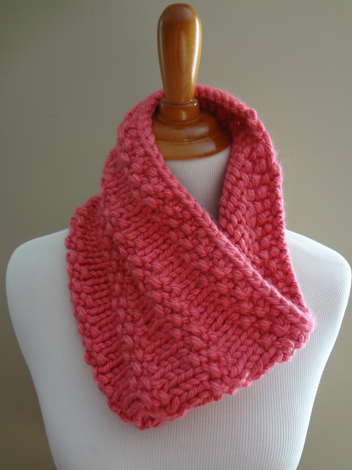 Knitting Crochet Patterns : Knit Cowl Pattern A Knitting Blog