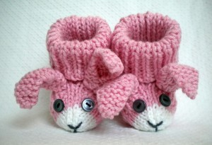 Crochet Bunny Baby Booties Pattern : BUNNY BABY BOOTIES PATTERN Free Baby Patterns