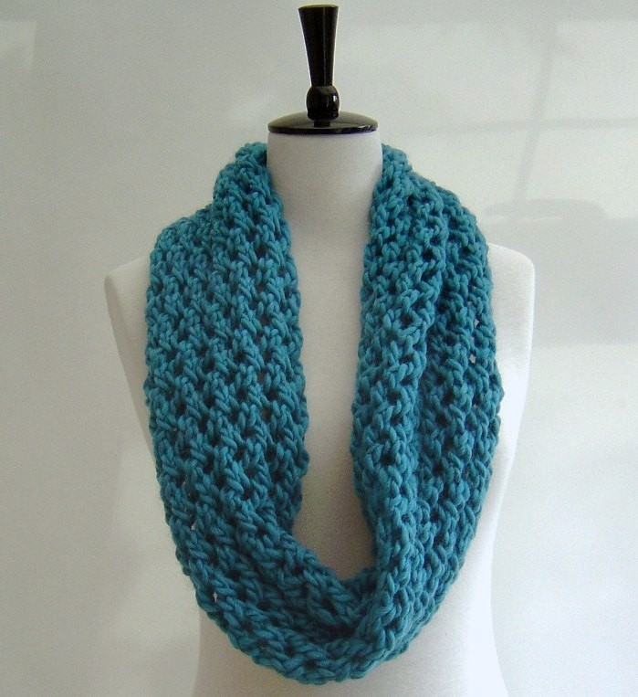 Beginner Knitting Patterns Scarves : Chunky Knit Scarf Pattern A Knitting Blog