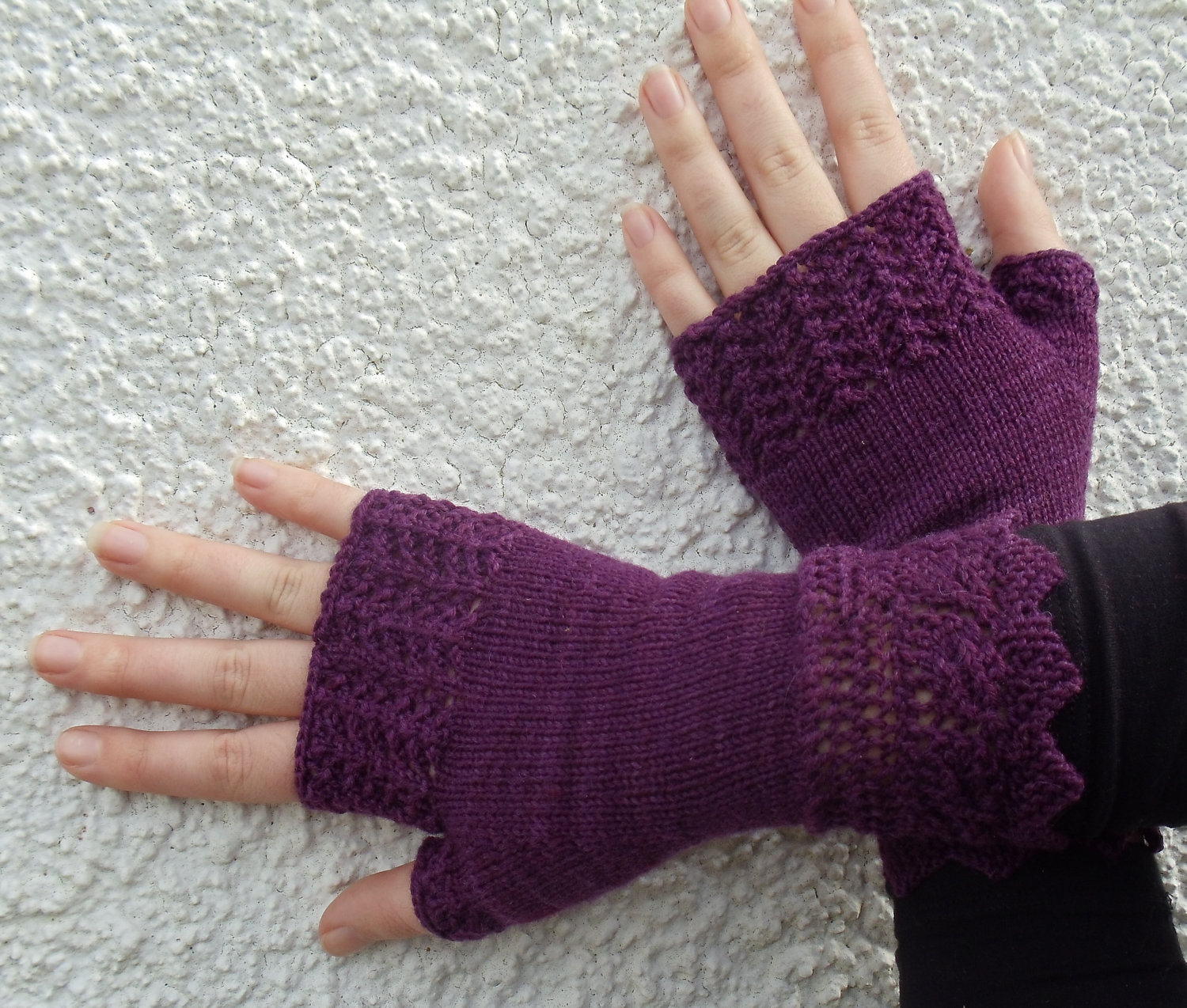 Knitted Shamrock Pattern : Fingerless Gloves Knitting Pattern A Knitting Blog