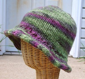 Knitting Pattern For Hat With Brim : Knit Hat Patterns for Women A Knitting Blog