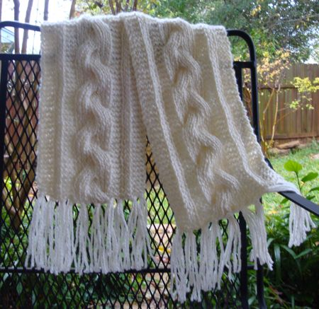 Free Bulky Reversible Cable Braid Scarf Pattern Photo
