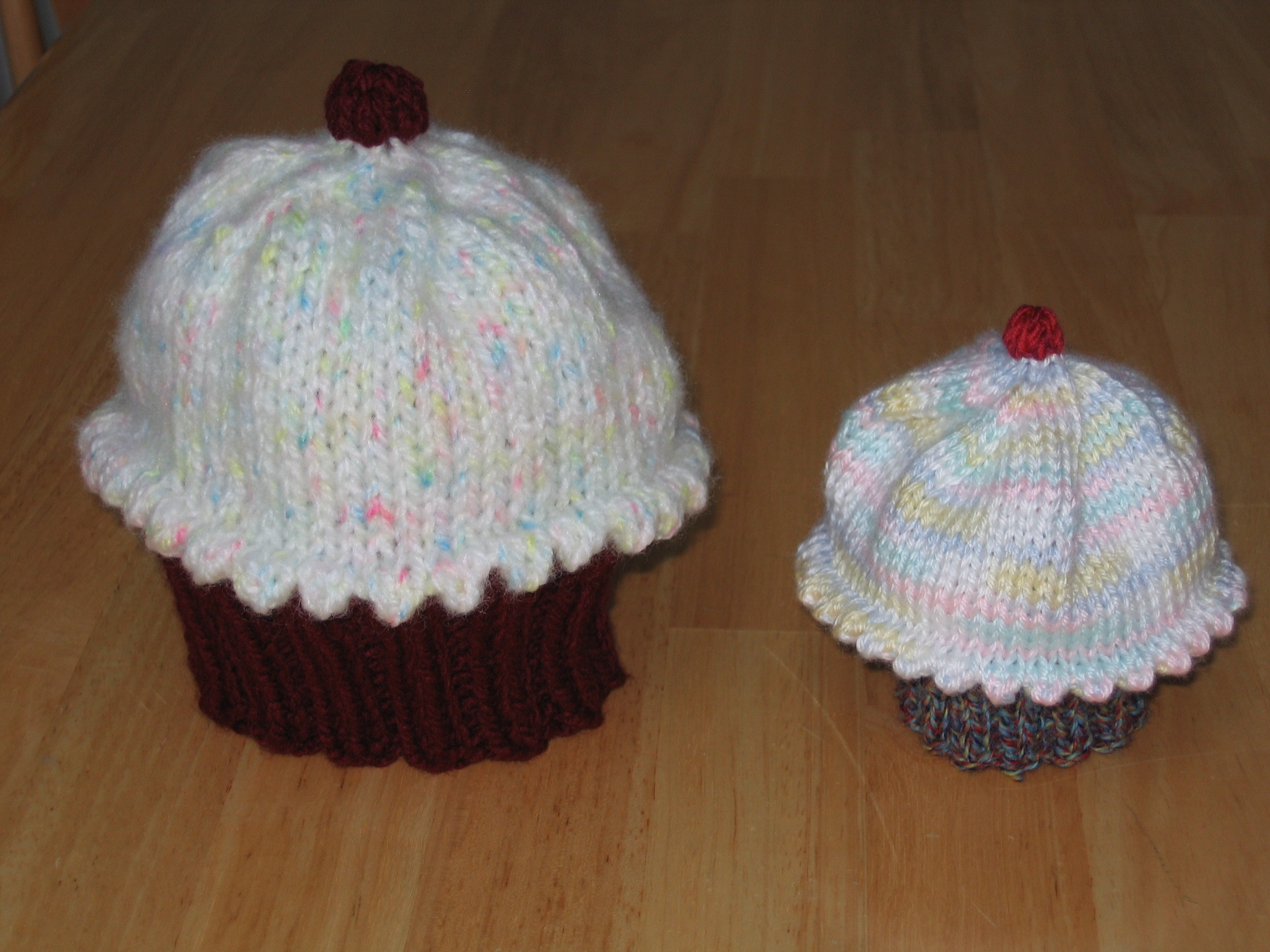 Cupcake Knitting Pattern Easy : Knitted Cupcake Hat Pattern A Knitting Blog