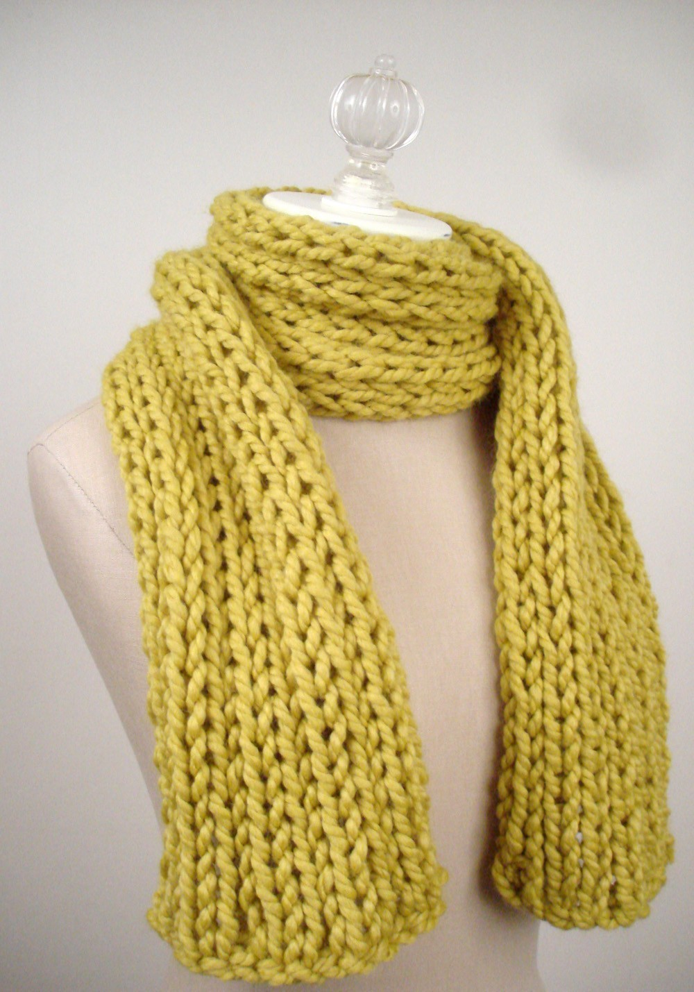 Beginner Knitting Patterns Scarves : Easy scarf knitting patterns for beginners - Knitting for Beginners: 6 Easy F...