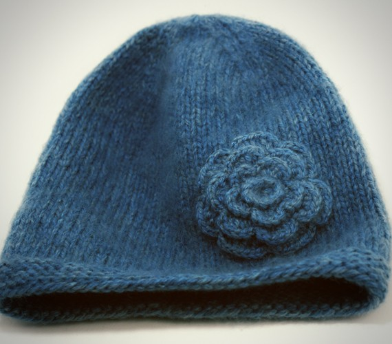 Pattern For Knitting A Hat : Knit Hat with Flower Patterns A Knitting Blog