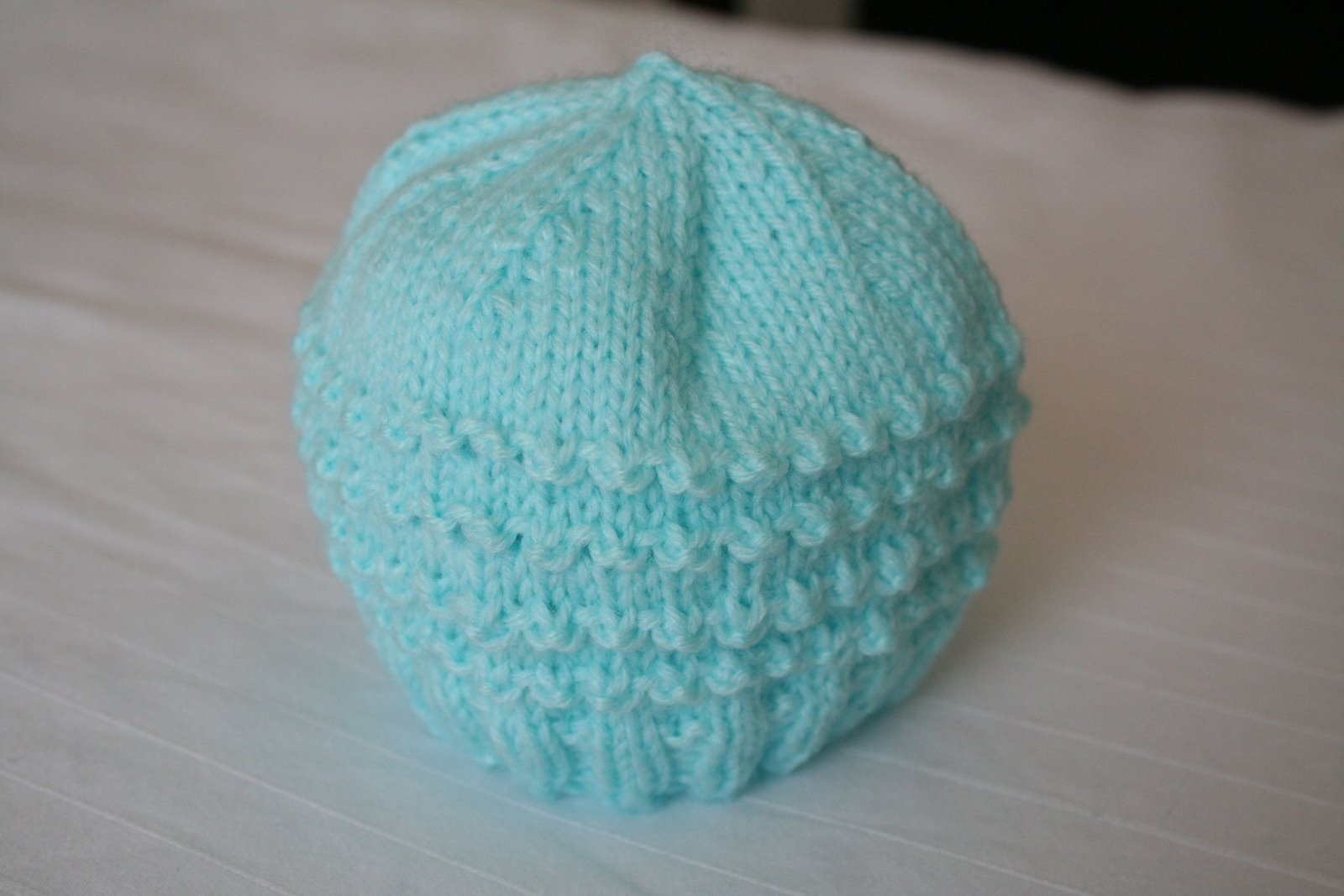 Knitting Caps Patterns : Free Preemie Knitting Patterns images