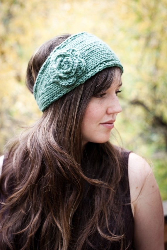 Knit Pattern For Headband : Knitted Headband with Flower Patterns A Knitting Blog