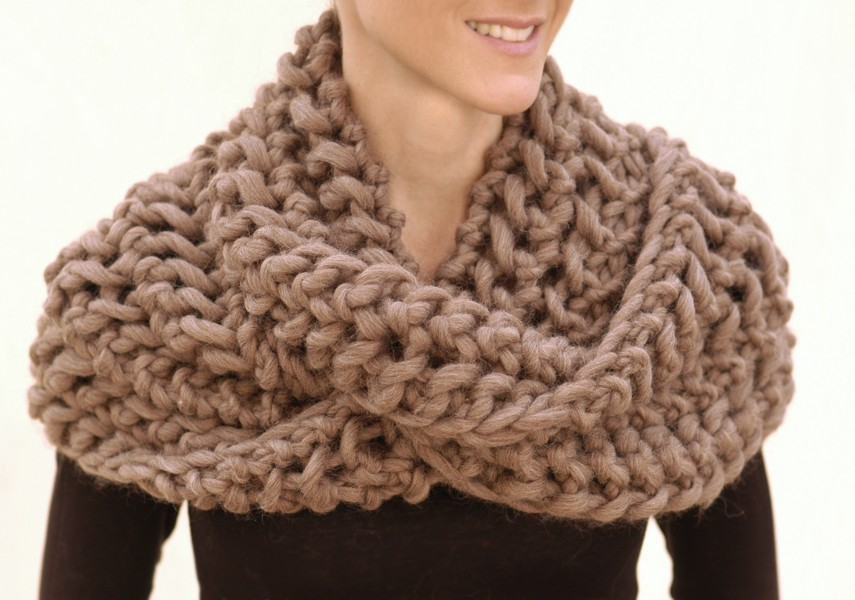 Capelet Knitting Pattern Free : Free Knitting Pattern For Chunky Infinity Scarves Car Interior Design