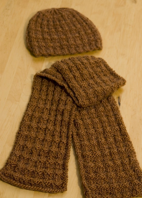 Knitting Patterns Scarf And Hat : Reversible Knit Scarf Pattern A Knitting Blog