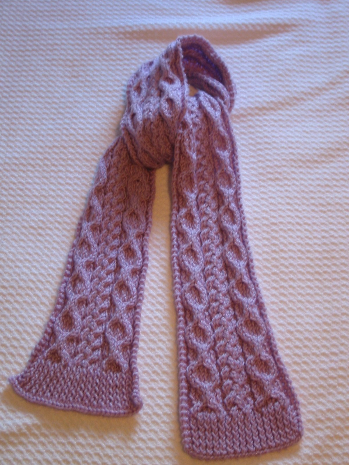 Scarf Patterns : Scarf with Honeycombs and Cable Knitting Pattern Photo