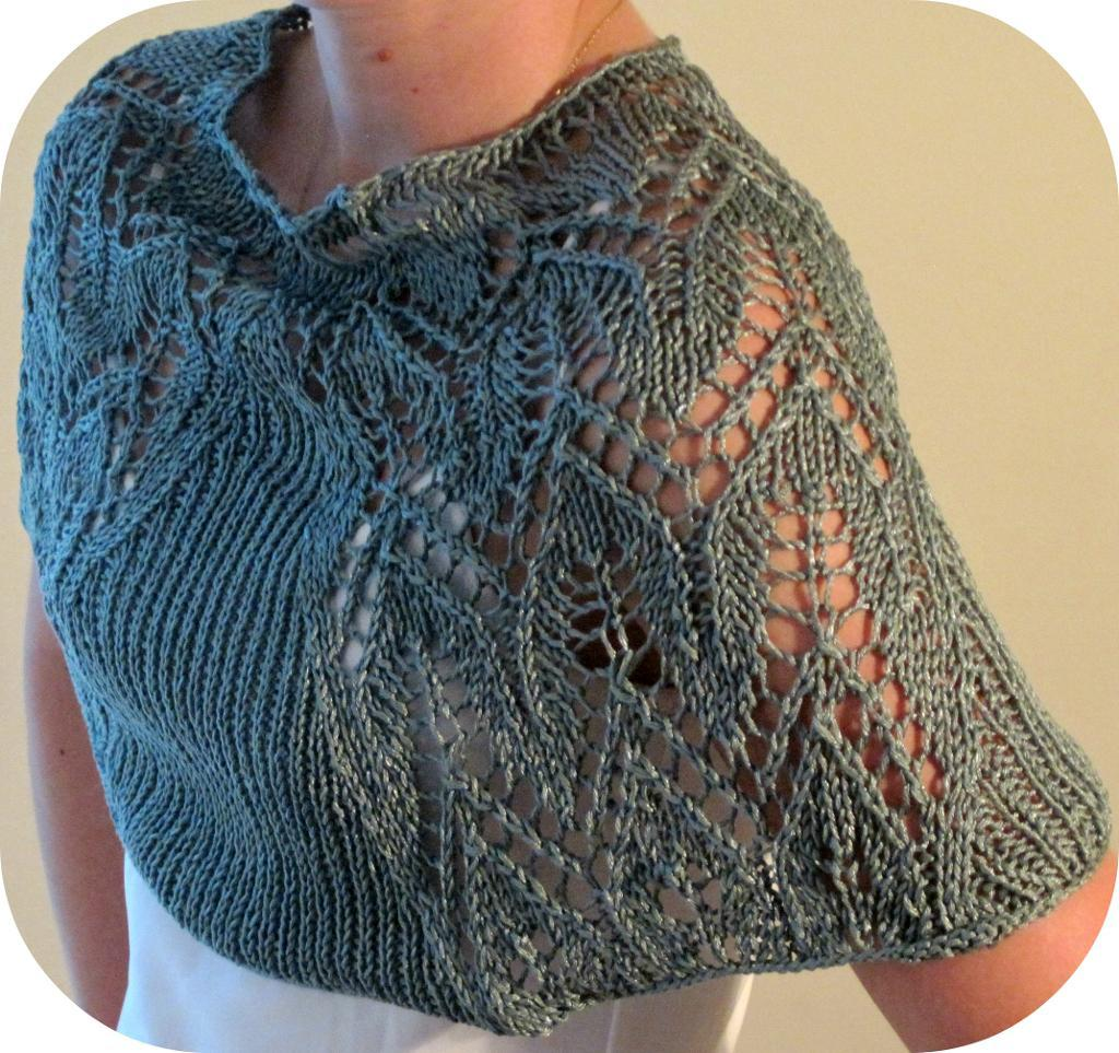 Simple Knitting Patterns : Easy Lace Shawl Knitting Pattern This Lace Shawl Knitting Pattern ...