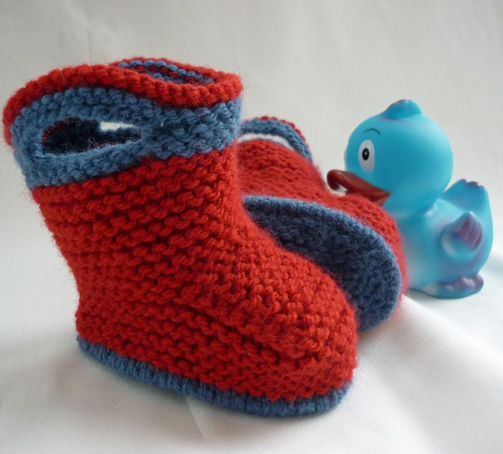 Simple Bootie Knitting Pattern : stay on knit and crochet baby booties free patterns