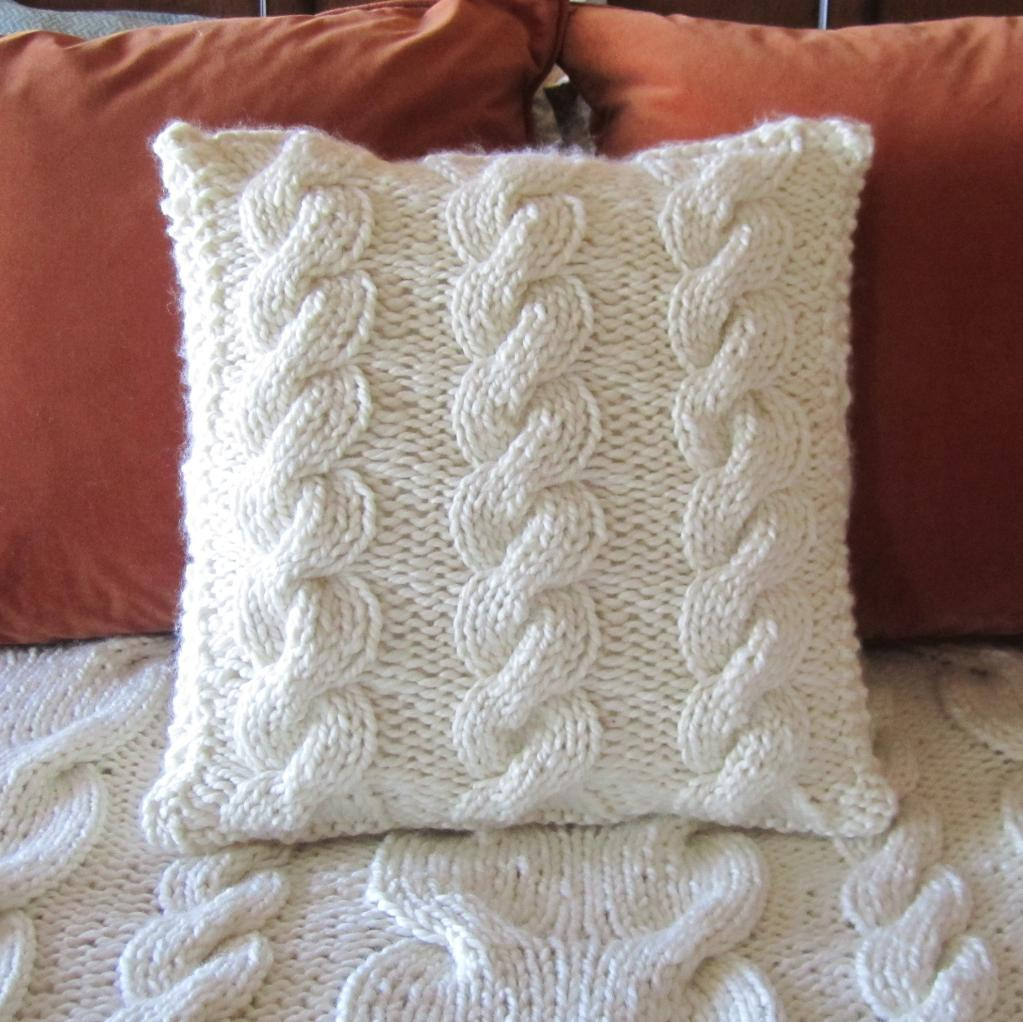 Cable Knit Pillow Pattern : Knitted Pillow Patterns A Knitting Blog