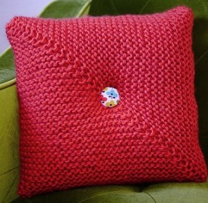 Knitting Pattern Central Pillows : ROUND PILLOW KNITTING PATTERN KNITTING