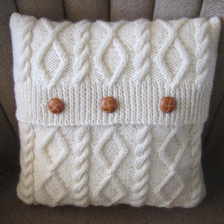 Knitting Pattern For Cushion Covers : Knitted Pillow Patterns A Knitting Blog