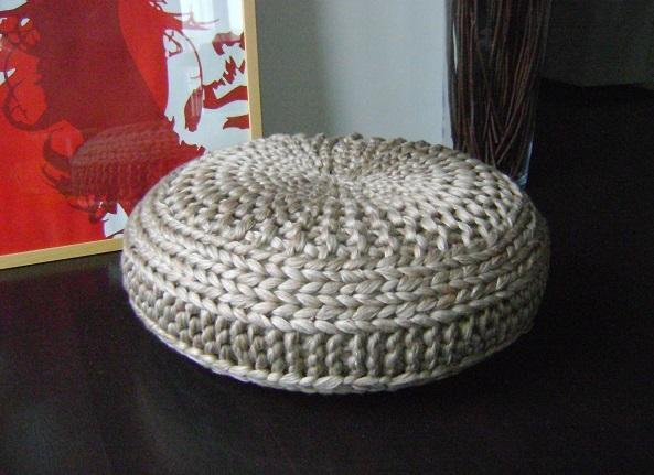 Knitted pouf patterns a knitting blog for Floor knitting