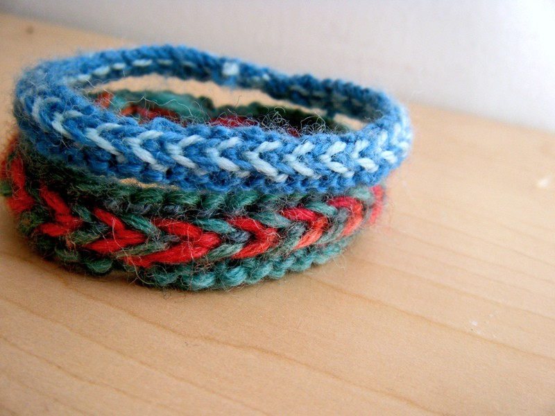 Knit Bracelet Pattern : Knitted Bracelet Patterns A Knitting Blog