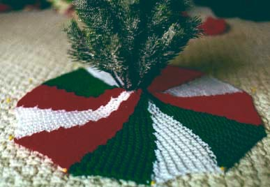Christmas Tree Skirt Knitting Pattern : Knitted Christmas Tree Skirt Pattern A Knitting Blog