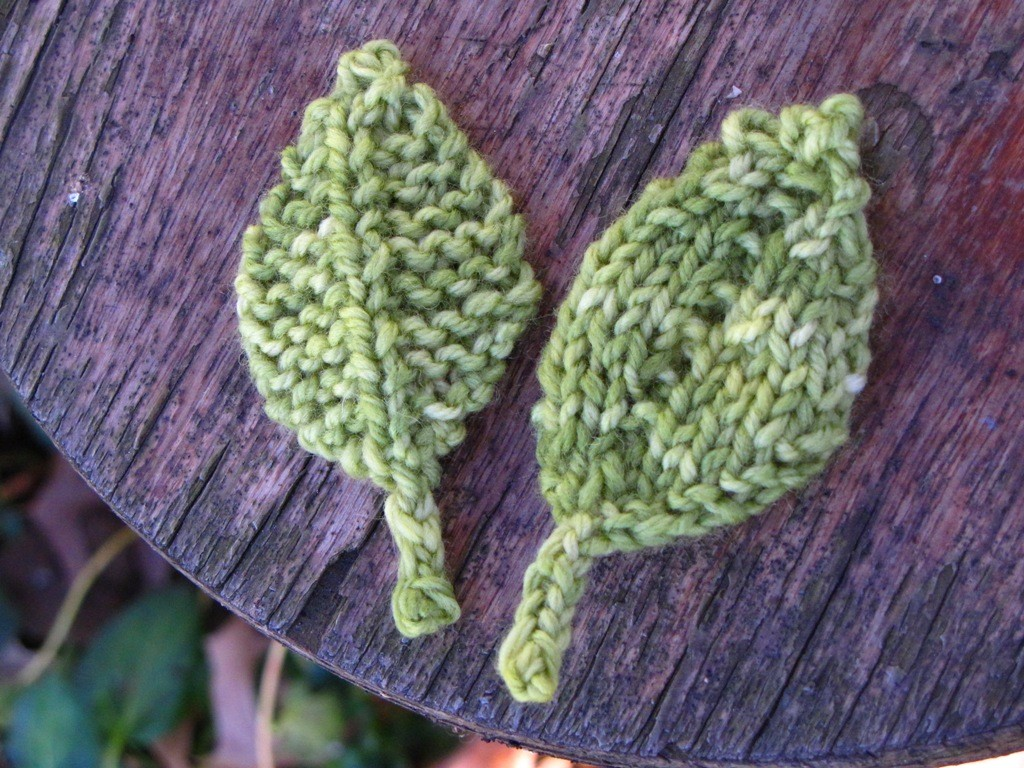 Knitting Pattern Oak Leaf : Knitted Leaf Patterns A Knitting Blog