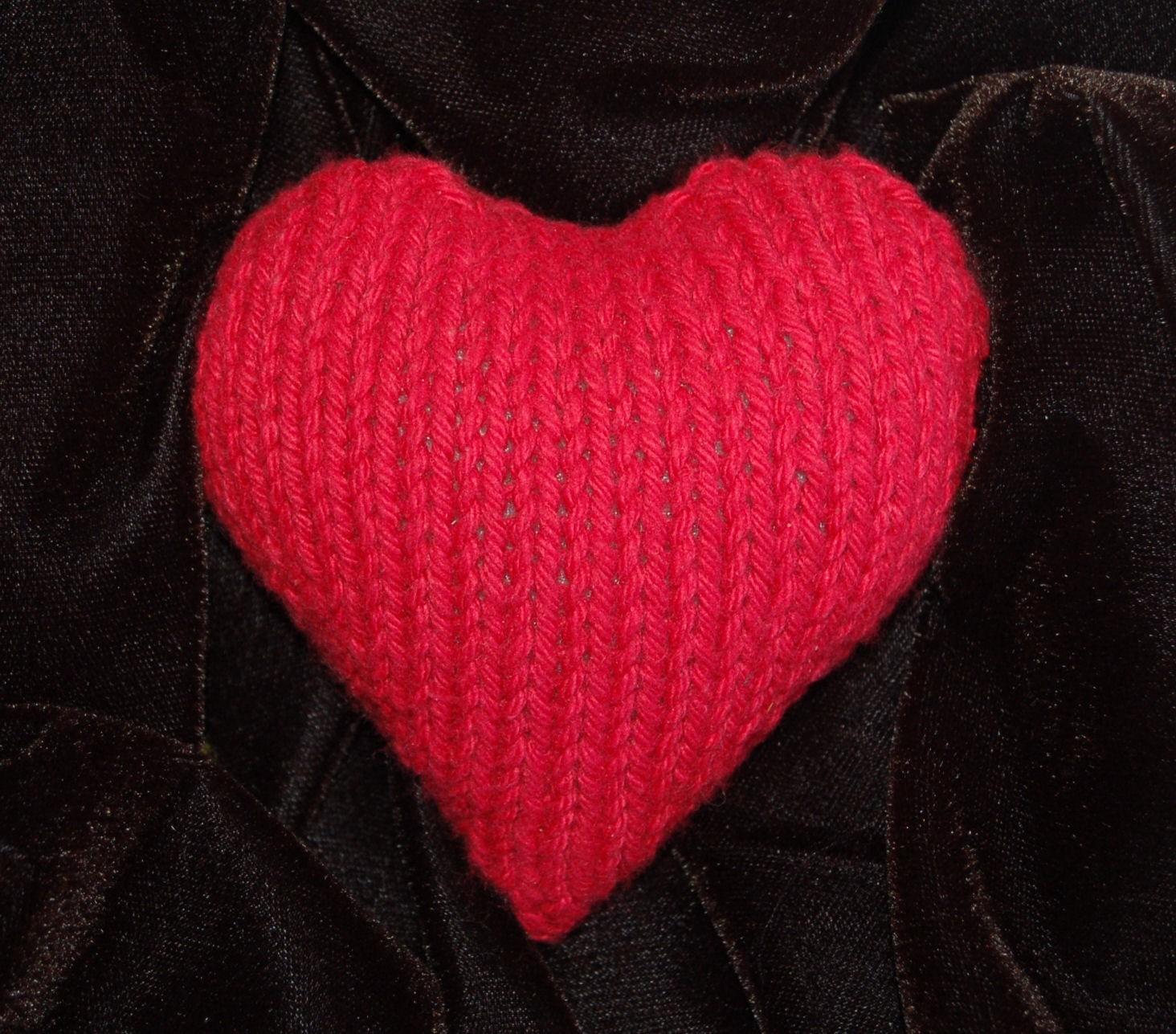 Plush Heart Knitting Pattern : Heart Knitting Pattern A Knitting Blog