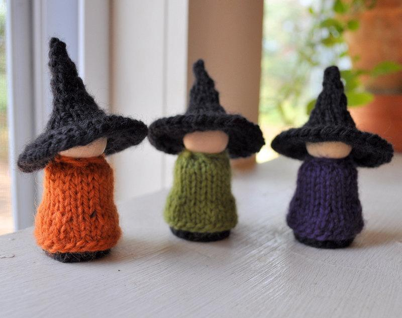 Free Knitting Pattern Witch Doll : Halloween Knitting Patterns A Knitting Blog