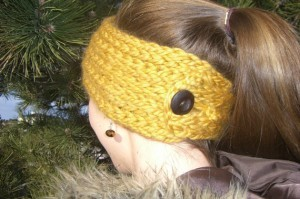 Buttoned Ear Warmer Loom Knit Headband Pattern Picture