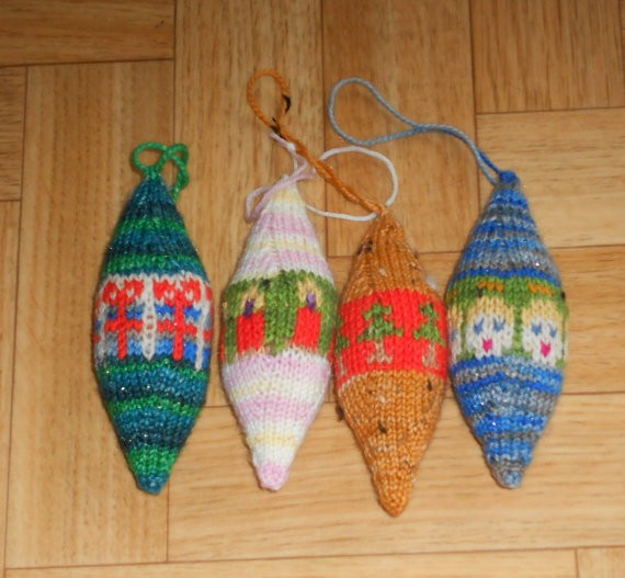 Knitted christmas ornament patterns a knitting