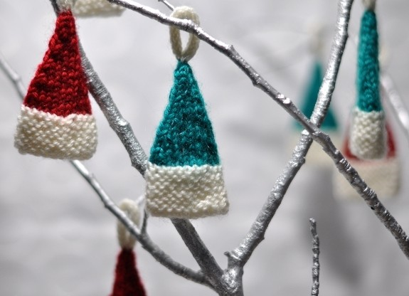 Knitting Pattern Christmas Hat : Knitted Christmas Ornament Patterns A Knitting Blog