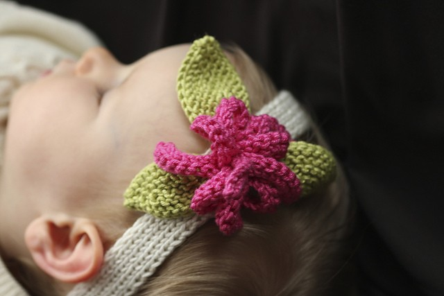Knitting Pattern Baby Headband Flower : Knit Baby Headband Patterns A Knitting Blog