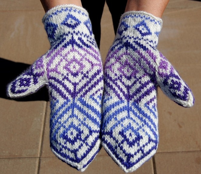 Double Knit Mittens Free Pattern : Knitting in the Round Patterns A Knitting Blog