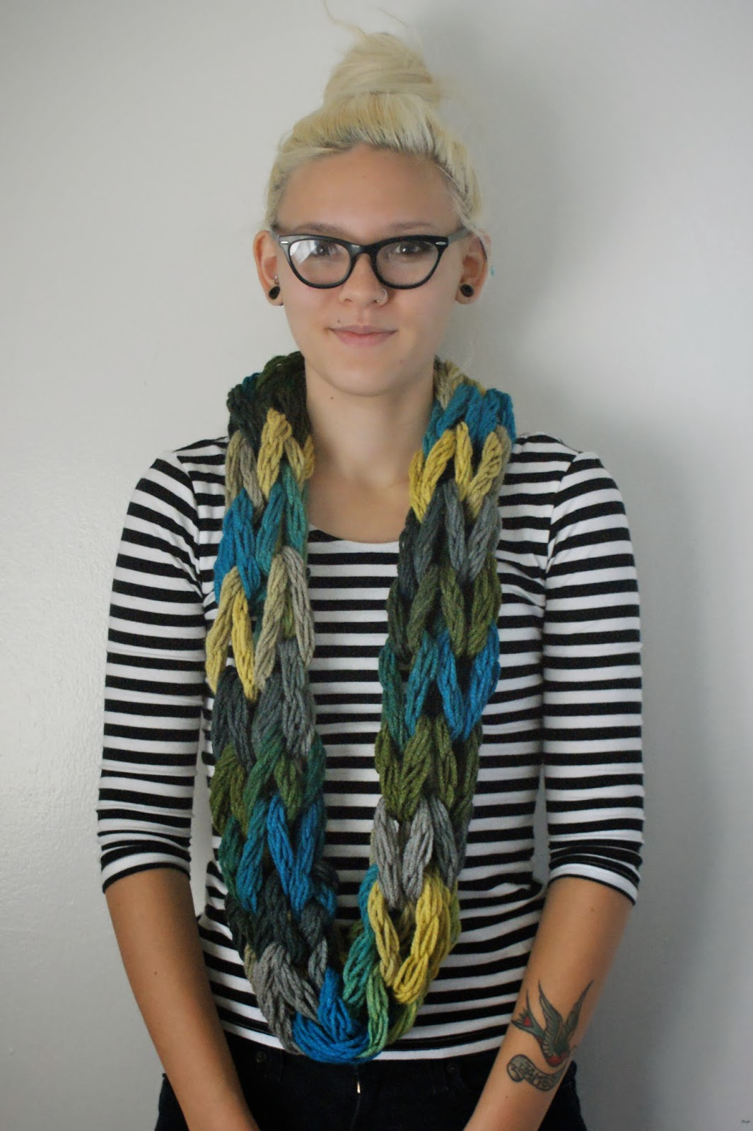 Knitting Scarf Tutorial : Arm knitting scarf patterns a